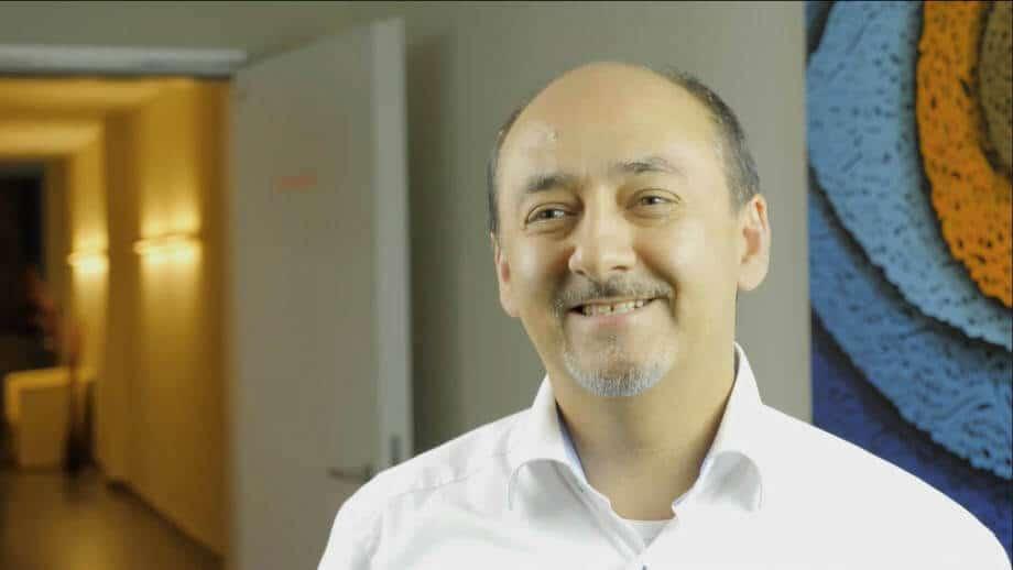Dr. Amir Mobarez Parasta, Augenchirurg München